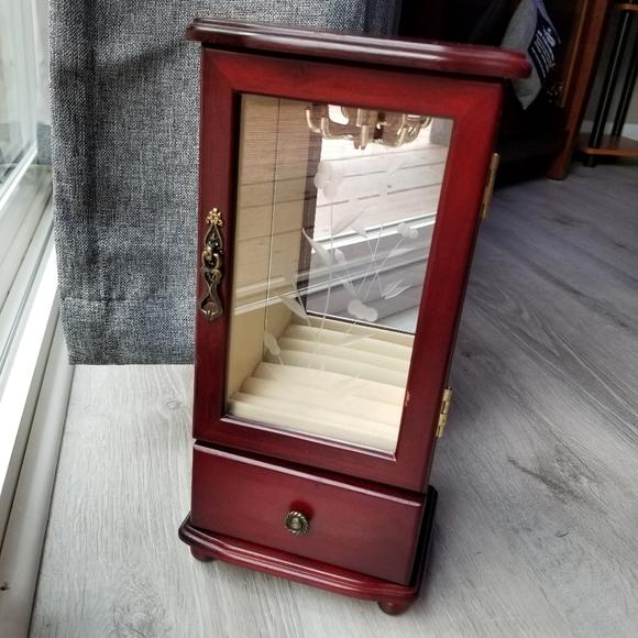 Jewelry Box/Organizer!